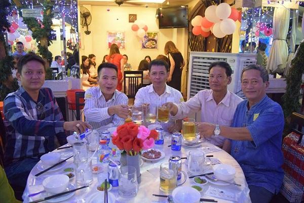 Tổ chức tiệc công ty cuối năm