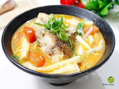 Cách làm canh măng chua nấu cá rô phi