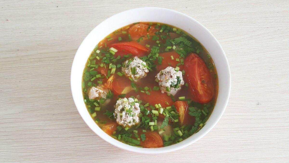 Canh cà chua thịt bằm dễ làm tại nhà