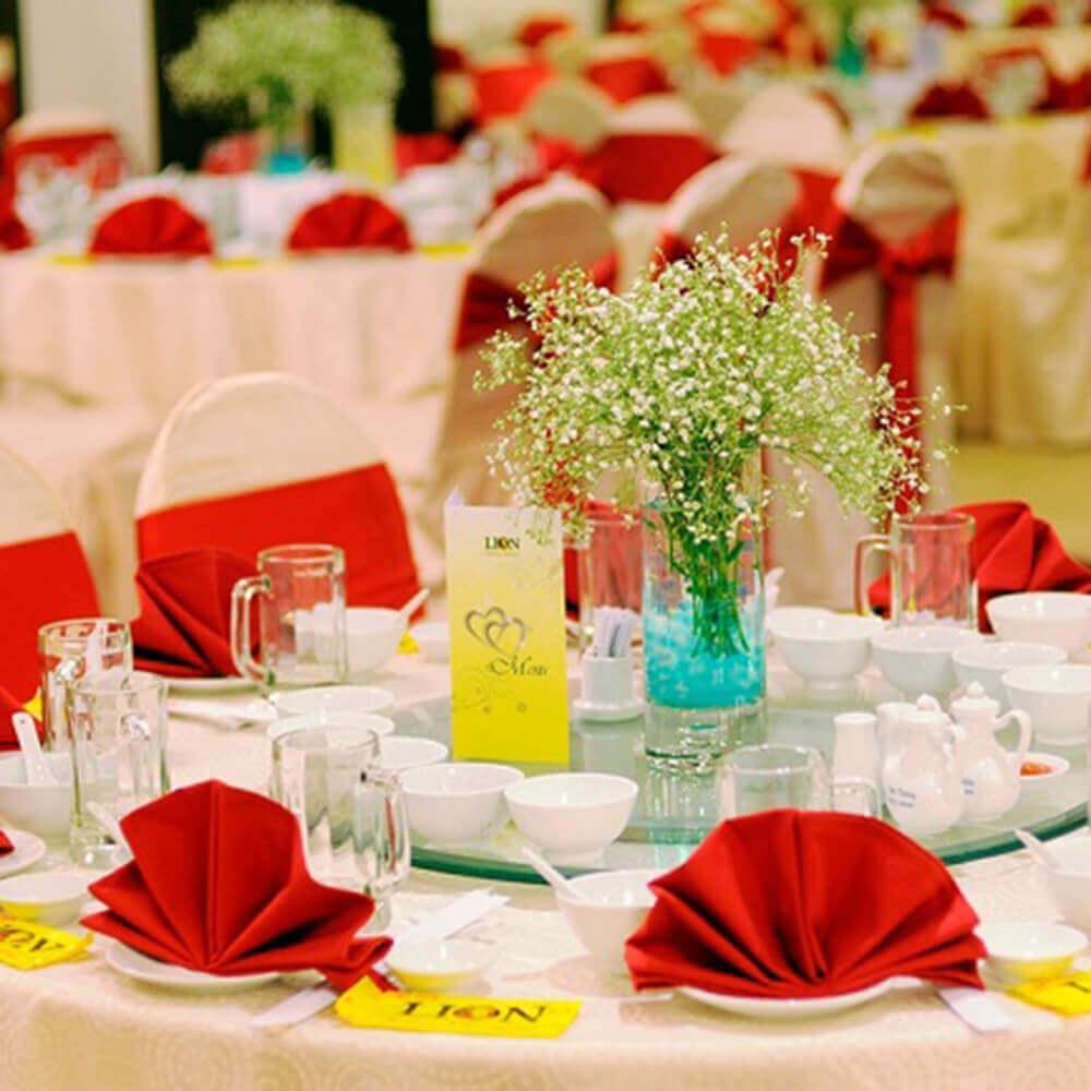 Tổ chức tiệc đám cưới tại nhà