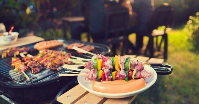 Tổ chức tiệc BBQ tại nhà