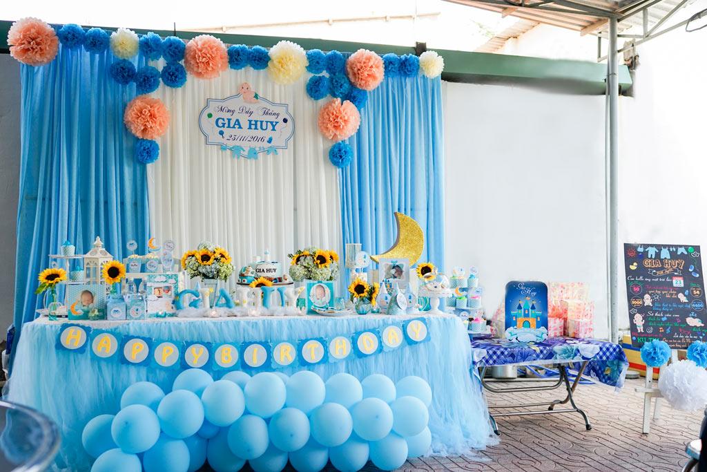 Tổ chức tiệc mừng sinh nhật cho các bé
