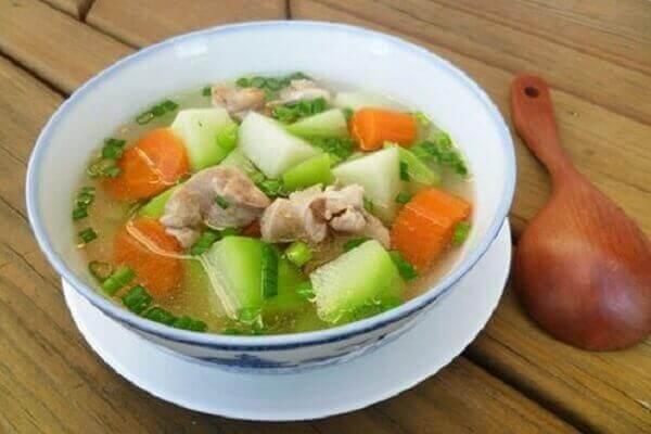 Cách nấu canh gà hầm rau củ kiểu trung quốc