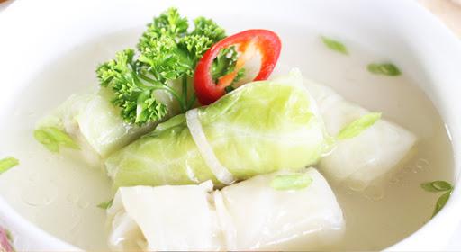 Canh cải thảo cuộn thịt heo