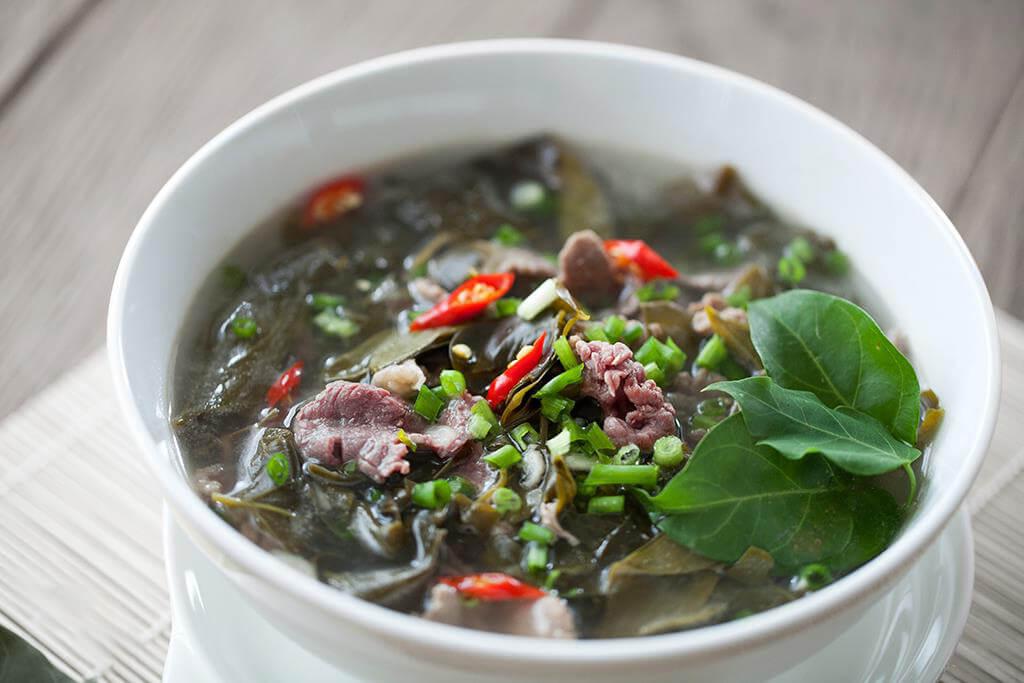 Canh chua thịt bò lá giang
