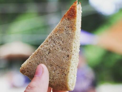 Bánh tam giác mạch nướng dẻo mua ở Hà Giang