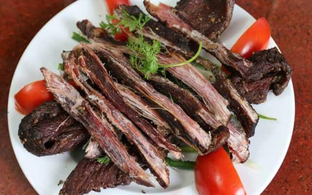 Thịt trâu gác bếp - đặc sản ở Hà Giang