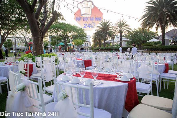 dịch vụ tiệc cưới ngoài trời