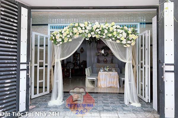 trang trí cổng hoa đám cưới